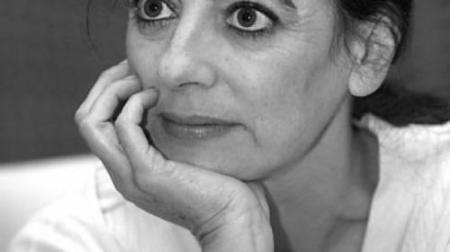 LO QUE QUIERO AHORA, por Ángeles Caso. (Gijón, 16 de julio de 1959) es una escritora, periodista y traductoraespañola.Premio Planeta de Novela 2009 con la novela Contra el viento.
